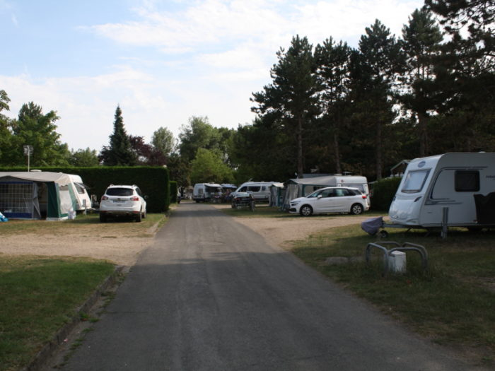 Camping le Jardin de Sully _ Emplacements