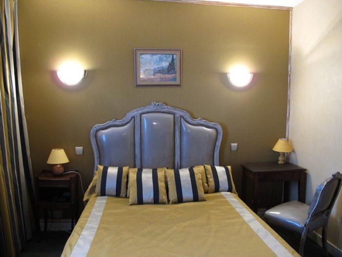 Chambre jaune côté