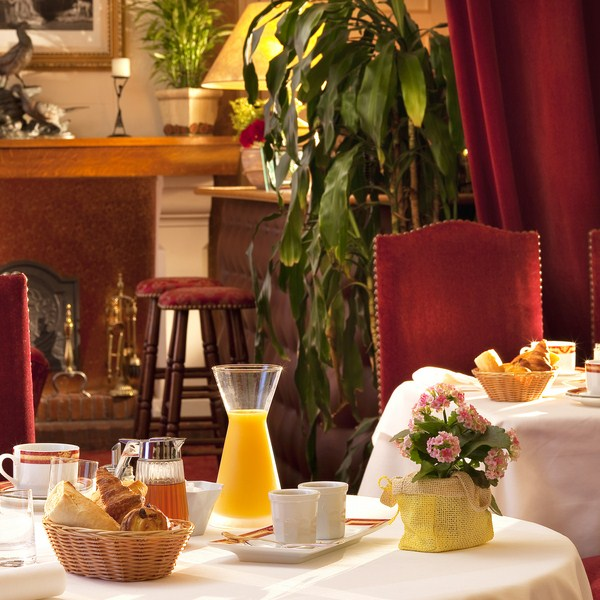 Hostellerie du grand Sully petit-déjeuner