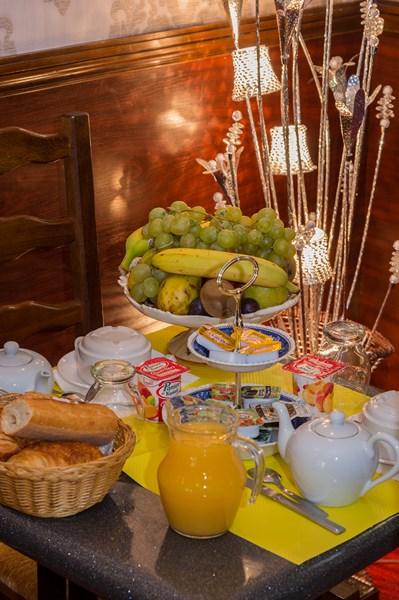 Hôtel Henri IV petit déjeuner