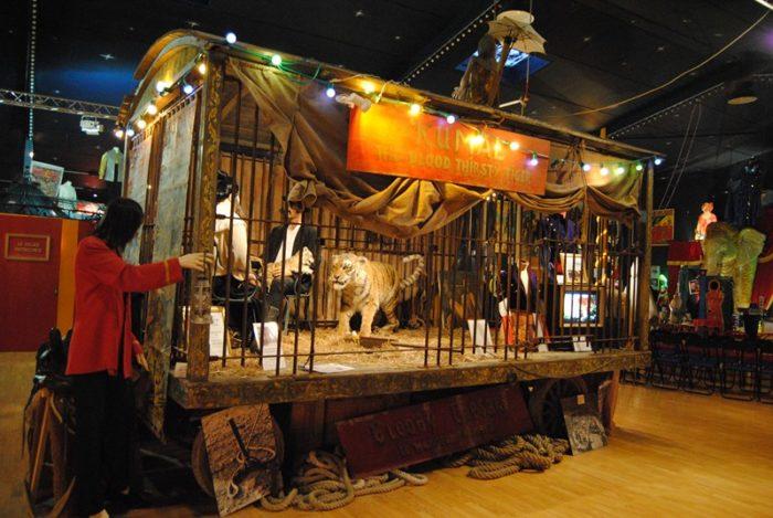 Musée du Cirque et de l'Illusion – Photo dépliant