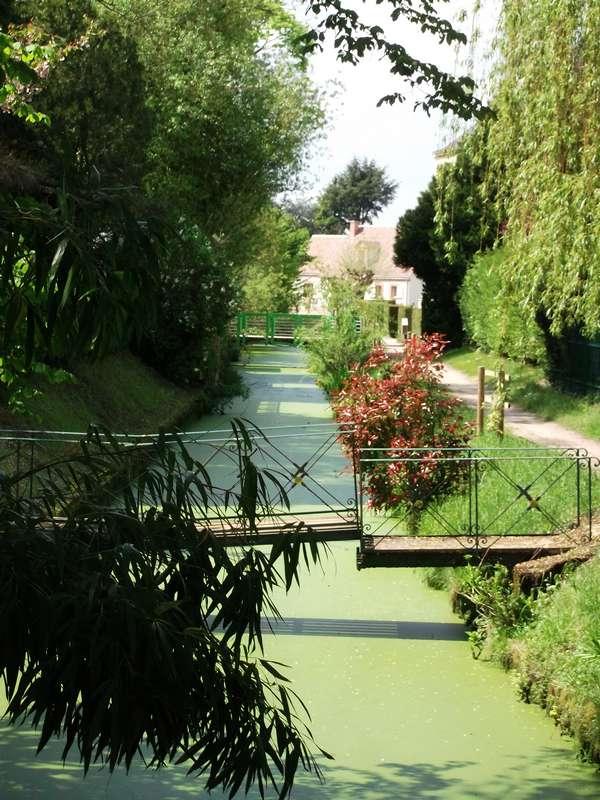 St_Benoît_sur_Loire_chemin_des_fossés_lavoir _tourinsoft