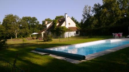 gîte_Les_Sentieres_Cerdon-du-Loiret_piscine